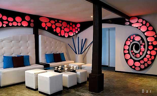 Le-Cameleon-Boutique-Hotel-Bar